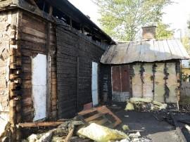 Merimiehenkadun tuhoisaa paloa tutkitaan yhä tuhopolttona.