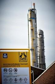 Typpihappotehtaista toinen seisoo vielä usean päivän ajan tulipalon aiheuttamien vahinkojen takia.