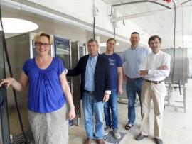 Makuvakka on uusikaupunkilaisten ruokaosaajien perustama osuuskunta. Sen tarkoituksena on edistää paikallisten tuottajien ideoimien tuotteiden syntymistä ja tukea tuotteen matkaa kuluttajalle. Osuuskunta pyrkii helpottamaan ja edistämään lähiruoan tuotantoa ja saatavuutta. Osuuskunta perustettiin tämän vuoden huhtikuussa. Idea osuuskunnasta sai alkunsa Ukipoliksesta. Ukipoliksessa elintarvikealan kehittämishankkeita vetänyt Heidi Jaakkola oli jo useaan otteeseen elintarvikeyrittäjien kanssa keskusteluissa törmännyt samaan ongelmaan; pienimuotoisen lähiruokatuotannon aloittamisen kannattavuus kaatuu suuriin alkuinvestointeihin, sillä elintarvikelainsäädännön vaatimukset täyttävät tilat ovat kalliit.