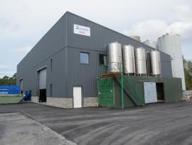 Uusi bioöljyn tuotantolaitos sijaitsee Munaistenmetsän vanhan kaatopaikan alueella.