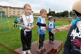 5-vuotiaiden poikien 40 metrin juoksun voiton jakoivat Aleksi Rinne (vas.) ja Turo Tapani. Kolmanneksi sijoittui Oskari Seitala (oik.). Kuva: Arja-Liisa Heilä
