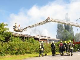 Paloa oli sammuttamassa kymmenkunta pelastuslaitoksen yksikköä.