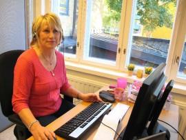 Lähivalmentaja Paula Vinnari kehuu contact centerin työtä monipuoliseksi.