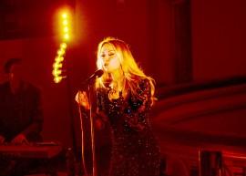 Anna Erikssonin tulkitsemista rakastetuista joululauluklassikoista saatiin nauttia viime vuonna myös Uudenkaupungin kirkossa. Pian niitä pääsee kuulemaan uudelta Gloria-joulualbumilta.