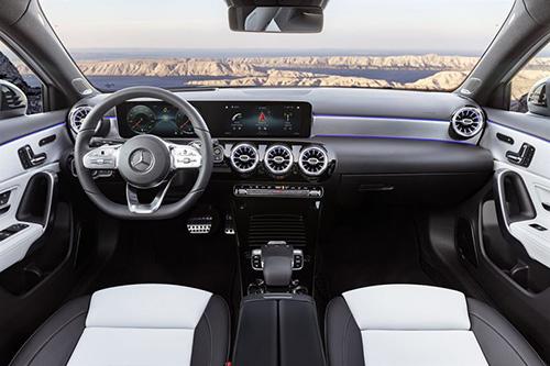 Uusi A-sarjan Mercedes näyttää sisältä tältä.