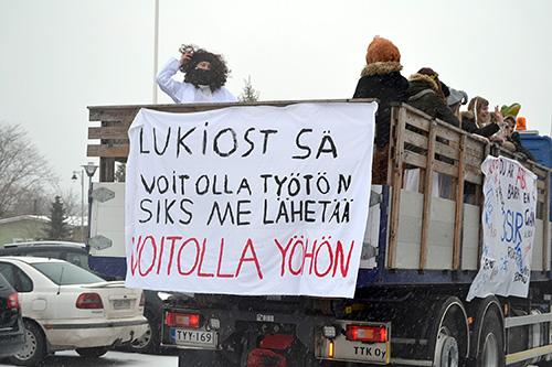 Penkkarimallia Uudestakaupungista vuodelta 2016. Kuva: Päivi Sappinen.